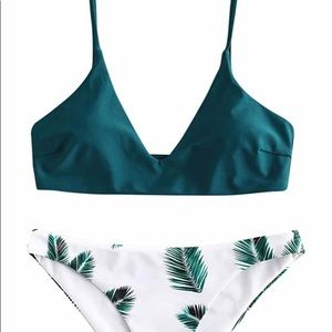 🆕⬇️ Price! Solid top Leaf pattern bottoms Bikini